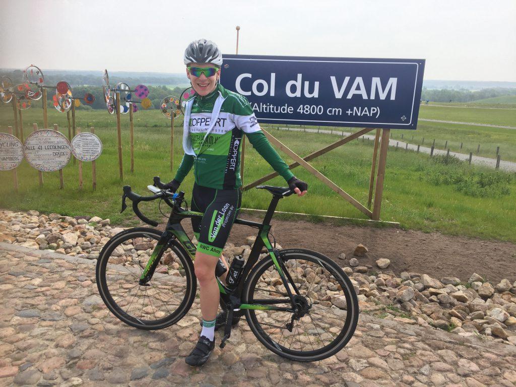 Col du VAM, de kleinste berg van Nederland denk ik.